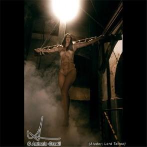 Los Placeres de Lola libro Crucifixión Siglo XXI